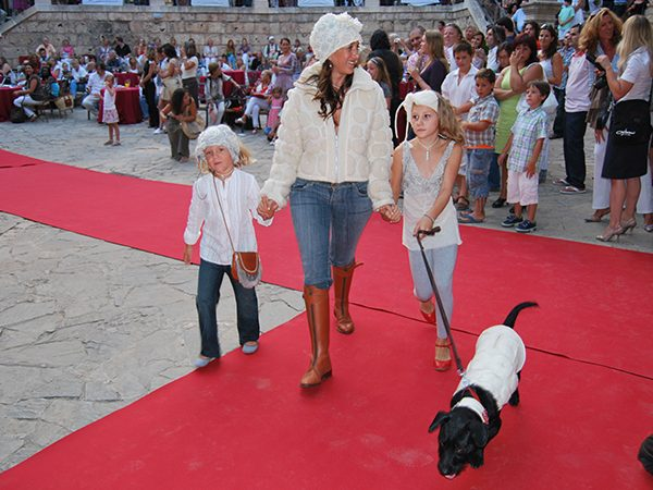 yvonne-borjesson-dogs-on-the-catwalk-palma-11