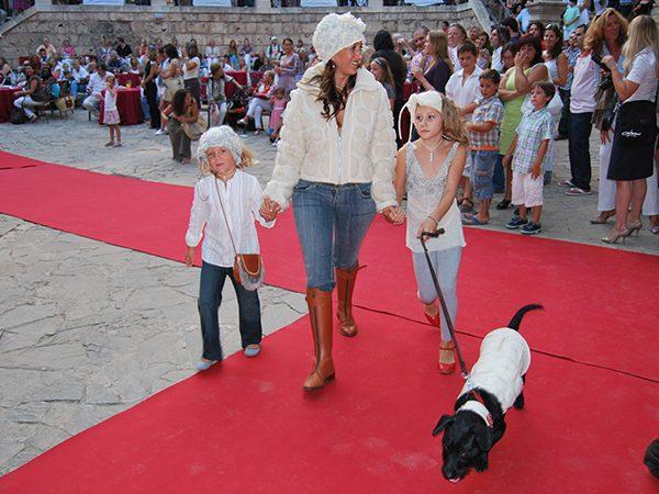 yvonne-borjesson-dogs-on-the-catwalk-palma-11