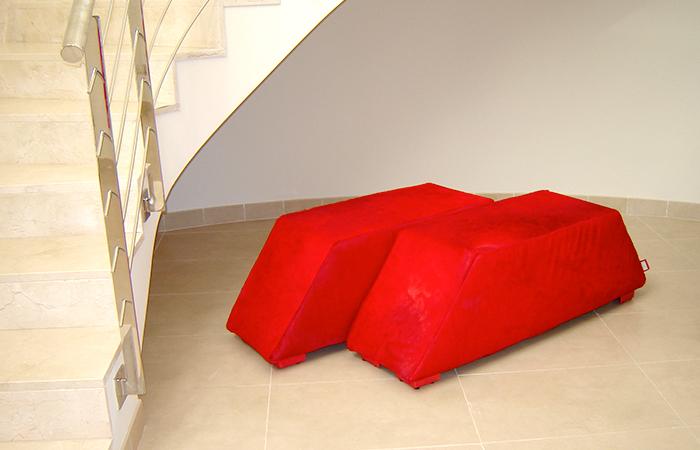 Pyramid Tabouret, Yvonne Borjeson