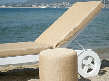 raffia-sunbed-and-pouf-YVONNE-BORJESSON