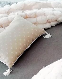 thumbnails_textil-cushions-yvonne-borjesson